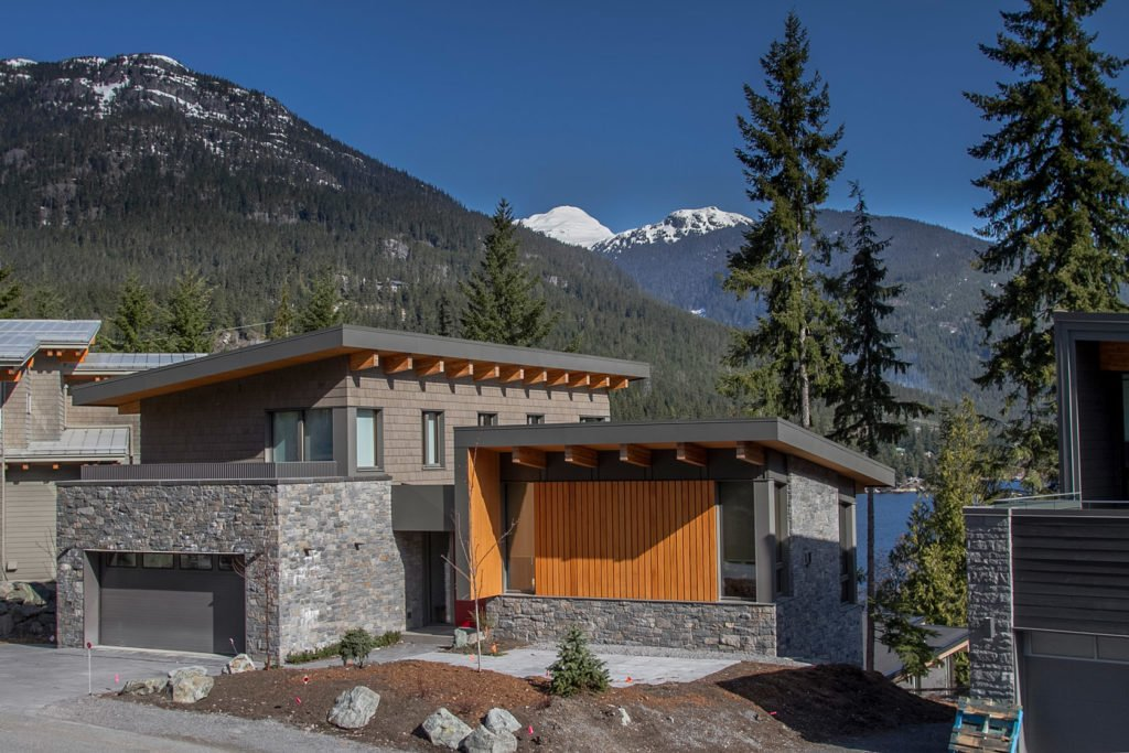 new home construction in squamish